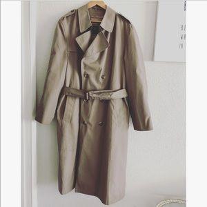 Christian Dior trench coat sz: 44L